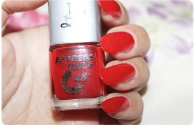 Red Nails Rival de Loop 301 Express Nails