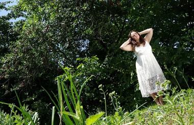 Romantisches Weißes Midikleid [Outfit]